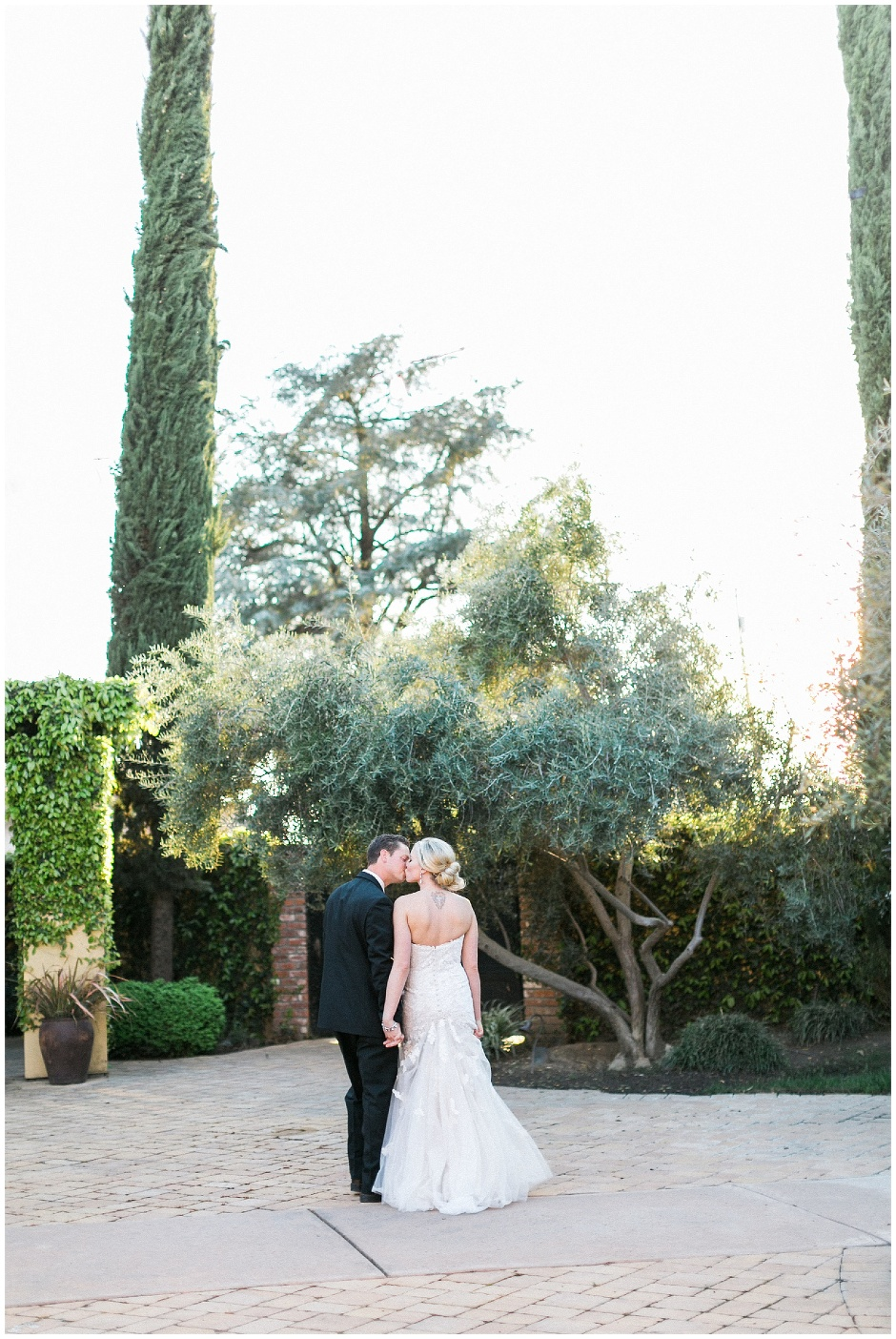 sunset photos of bride and groom at reata in Oakdale